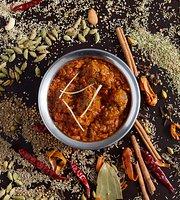 เดเว่น เชฟ เรสเตอรอง : อาหารอินเดียสูตรต้นตำรับชาววัง