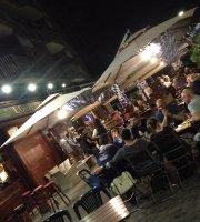 Lochness Pub