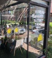 Pong Mun Noei Cafe'