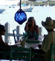 Laura's Bar & Resto