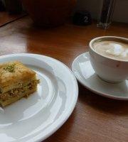 Pasha's Restaurant Cafe & Deli