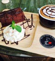 Kiss Me Cafe & Bistro