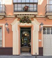 Casa Manolo Leon