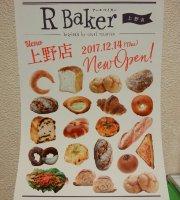 R Baker Echika Fit Ueno