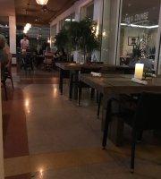 Salt Kitchen & Lounge