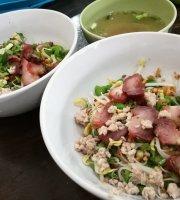 Tachai Sukhothai Noodles