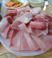 Sea Sashimi Love