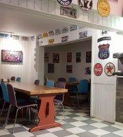 Pit Stop Diner / Tolga