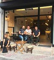 Hamur Isi Cafe & Pastane