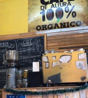 Pan Horneado Y Cafe A Un Lado
