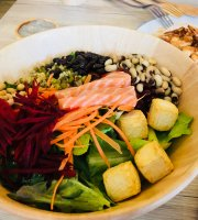 M Salad Cafe
