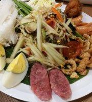 Yum Saap - The Mall Tha Phra