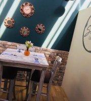Smaken Comida & Cafe