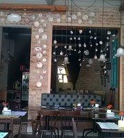 O Cruzeiro Cafe e Gastropub