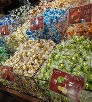 Lindt Chocolat Cafe Kyoto Shijodori