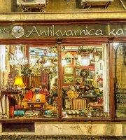 Kafe Antikvarnica