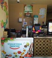 Yogurteria Danone - Parque Warner