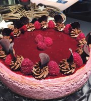 Bee's cake café
