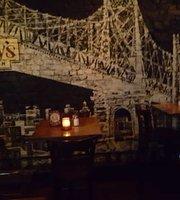 Halsey's Tavern