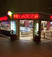 Heladeria Pasteleria La Barca