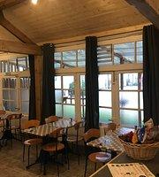 La Lune Bleue Restaurant & Bar