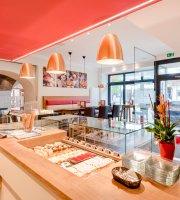 Koll Bistro Cafe