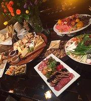 Dinner & Company