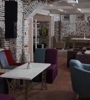 Spago Restaurant & Lounge