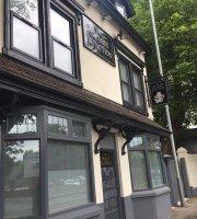 Glassy Junction Bar & Grill