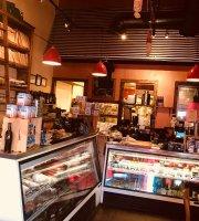 M'tucci's Italian Market & Pizzeria