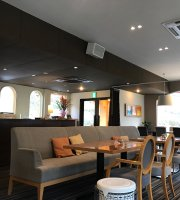 Cafe & Restaurant Hachibankan