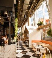 Ginkgo Café & Bar