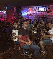 General Lee Rock Bar