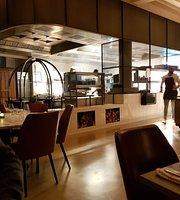 Sophie's Steakhouse & Bar