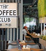 The Coffee Club - The Maze