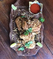 Asian Roots : Creative Asian Restaurant