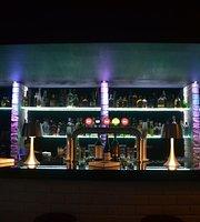 Preto & Branco Bar