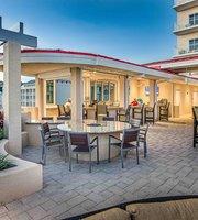 Evy's Terrace Bar & Bistro