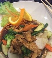 MoJo Thai & Sushi Restaurant