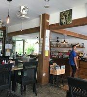 Costa Grill