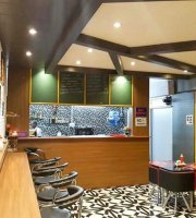Vayu's Cafe