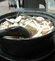 王静砂锅土豆粉
