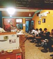 暖暖蛇咖啡馆