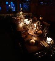 Haromforras Restaurant