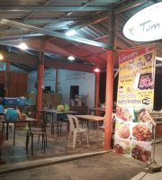 Tum Tiew Cafe & Restaurant