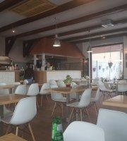 Modrzewiowa Chata Restauracja