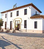 "Restaurante ""Puerta de la Sierra"""