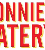 Donnie Eats