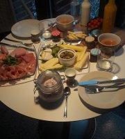 Serrahner Hofladen  Cafe & Bistro