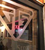 Grove Street Tavern